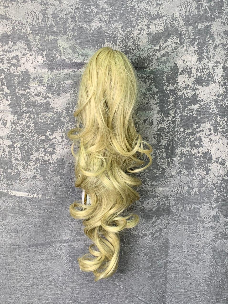 Хвост-локоны на заколке блонд